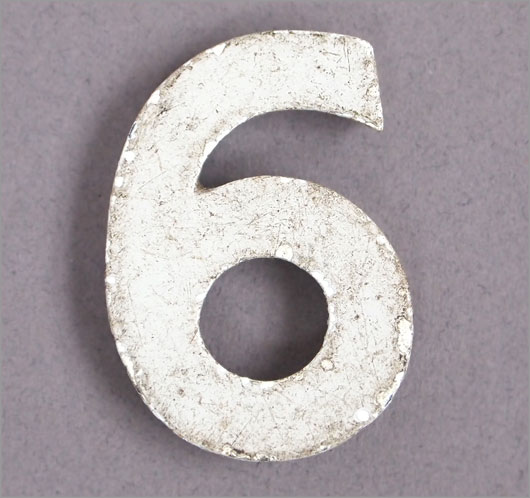 Magnetised vintage iron store sign display number '6' or '9'