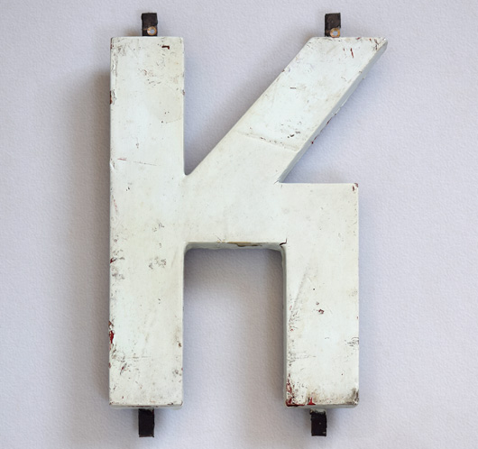 1920s Modernist style painted wooden sign letter 'K'