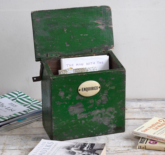 Early-1900s vintage painted wooden box: Enquiries