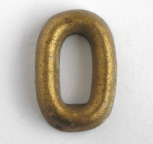 Gold shop display sign letter 'O' or 'zero', c. 1930s