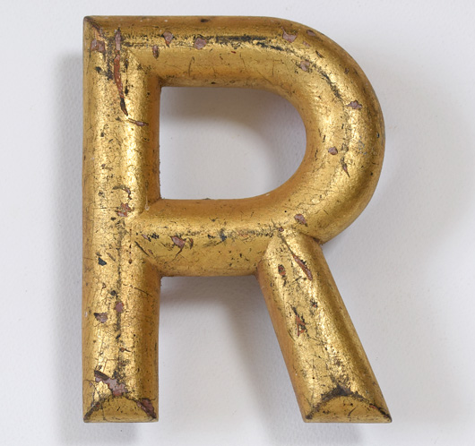Gilded vintage wooden shop sign letter 'R', c. 1900