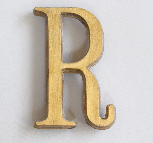 Small vintage gold resin sign letter 'R', c. 1930s
