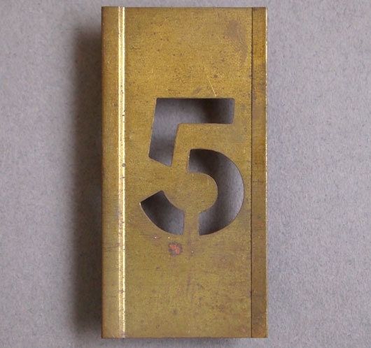 Early-1900s vintage brass number stencil: '5', 6cm