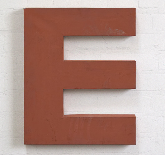 Large vintage red French zinc metal sign letter 'E', mid-1900s