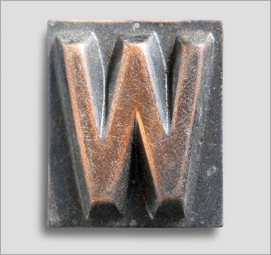 Small Victorian embossed brass door sign letter 'W', c.1900