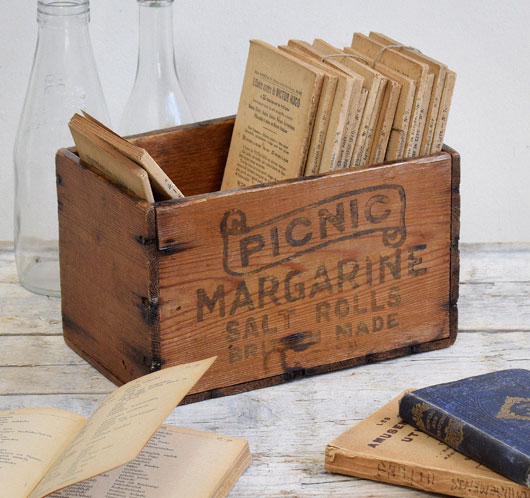 Small vintage Picnic Margarine wooden crate, early 1900s