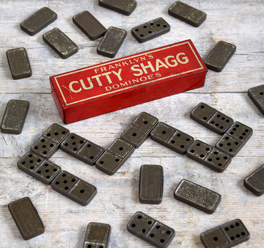 Promotional tin dominoes: Cutty Shagg, c. 1915
