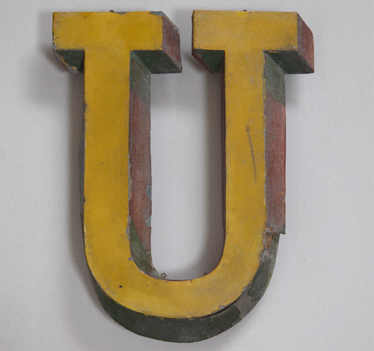 19th-century French zinc trompe l'oeil sign letter 'U'