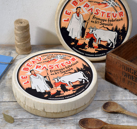 Large vintage French cheese box: Le Beau Pasteur
