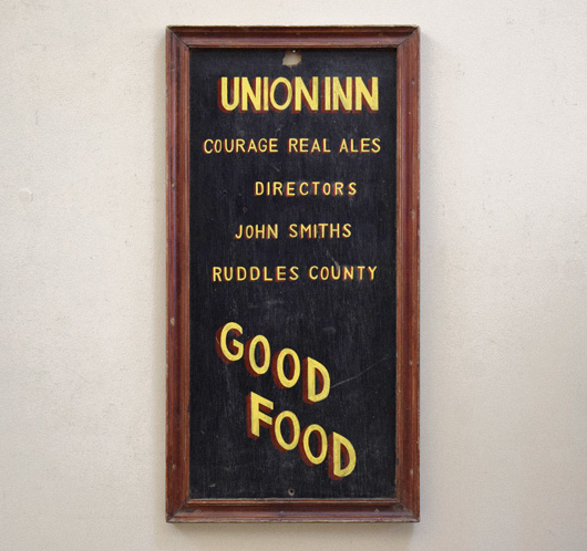 Painted wooden pub sign: Union Inn