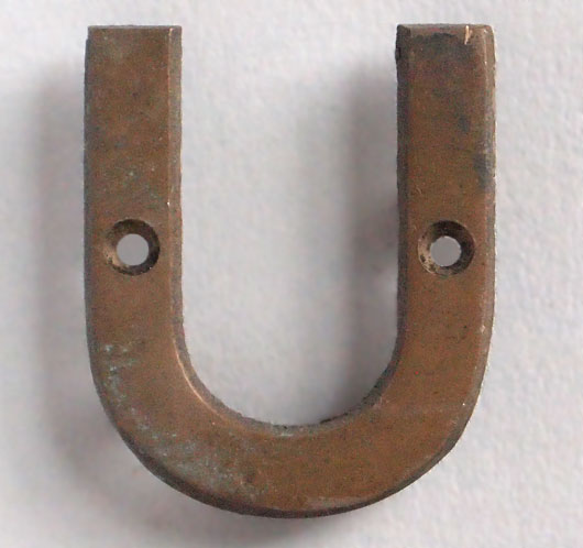 Small vintage cast-bronze sign letter 'U', early 1900s