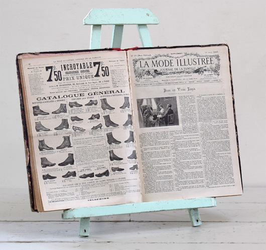Small 1930s painted vintage wooden easel