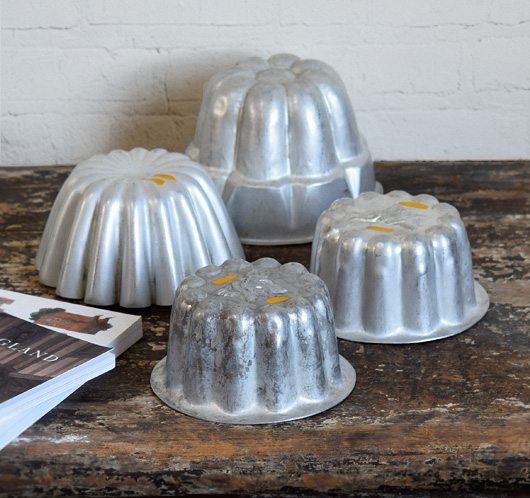 Assortment of mid-size vintage aluminium jelly moulds